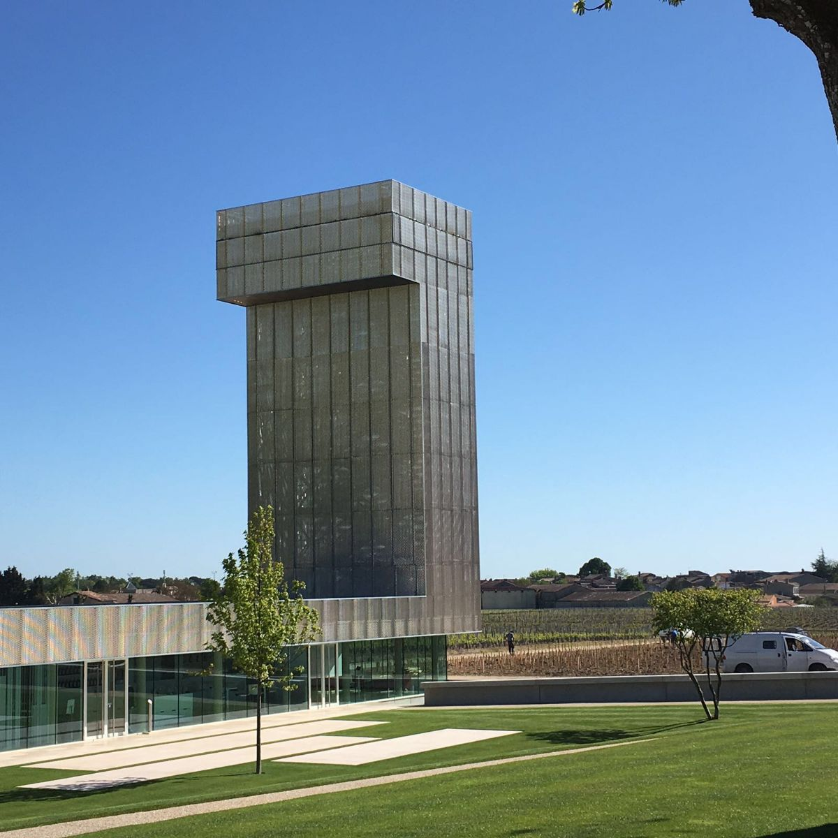 expanded metal tower Chȃteau Gruaud Larose Fratelli Mariani